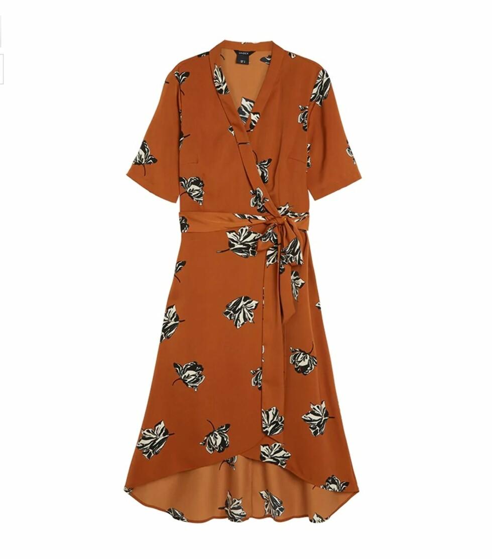 Kjole fra Lindex |299,-| https://www.lindex.com/no/dame/overdeler/kjoler/7720737/Moenstret-omslagskjole/