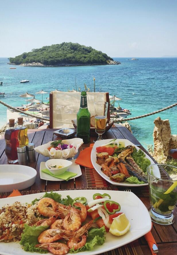 INSPIRERT AV DET GRESKE KJØKKEN: Albanerne er inspirert av det greske kjøkkenet, og er gode på sjømat. FOTO: NTB Scanpix