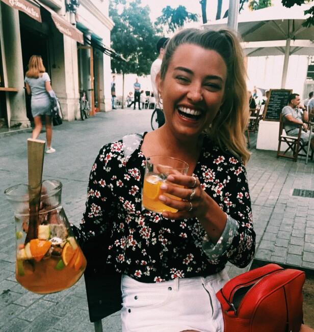 DETTE GJØR HENNE GLAD: Marte forteller at venner, familie musikk, mat og dans gjør henne glad. FOTO: Privat