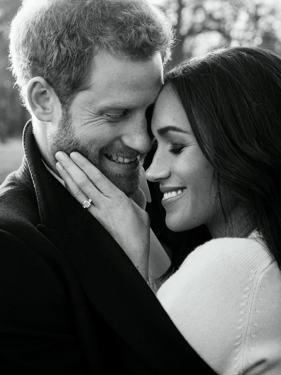 THE ONE: Det er ingen tvil om at prins Harry og Meghan Markle er svært forelsket. 19. mai 2018 ble de to mann og kone. Dette bildet ble tatt i forbindelse med forlovelsen i november 2017. Foto: NTB scanpix