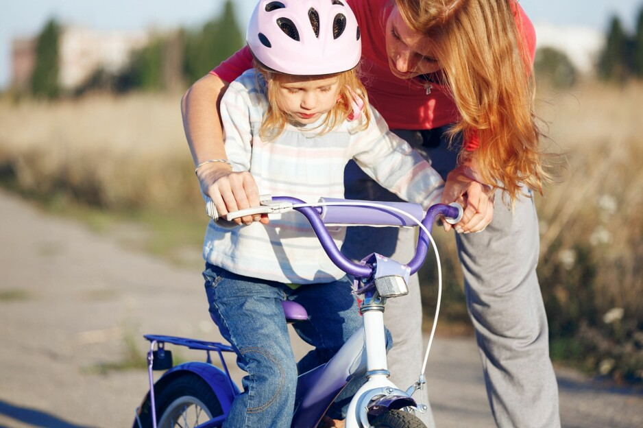 FORSIKTIGE BARN: Mens noen barn tar alle utfordringer på strak arm, er andre langt mer forsiktige. FOTO: NTB Scanpix