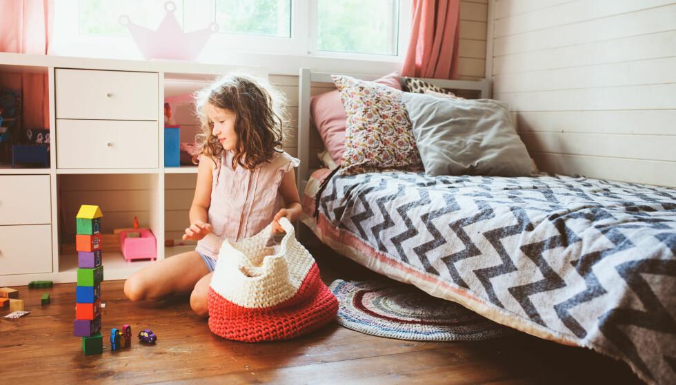 ALLE MÅ BIDRA: Hvis alle bidro litt i heimen, ville mors humør stige noen hakk, men hvordan sie rhun fra?Foto: Scanpix