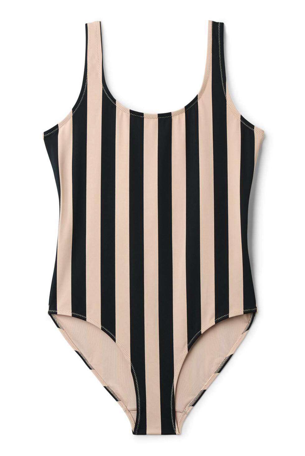 Stripete badedrakt fra Weekday |300,-| https://www.weekday.com/en_sek/women/categories/swimwear/one-pieces/product.day-striped-swimsuit-black.0584052001.html