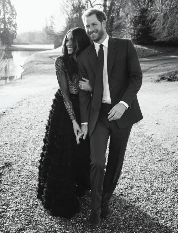 RALPH & RUSSO: Kjolen Meghan Markle hadde på seg på forlovelsesbildene koster 500 000 kroner og er designet av Ralph & Russo. Foto: Scanpix