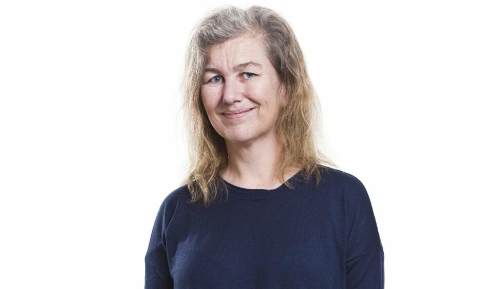BLI NY: Anette (46) ble ny med KK! Se hvor stilig hun ble med ny frisyre og hårfarge! FOTO: Astrid Waller (styling: Afaf Ali. Hår: Nina Miljanic. Makeup: Moa Evelina Larsson). FOTO: Astrid Waller