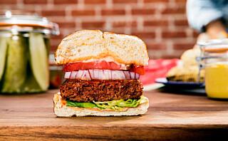 Nå skal burgeren være blodig - uten kjøtt