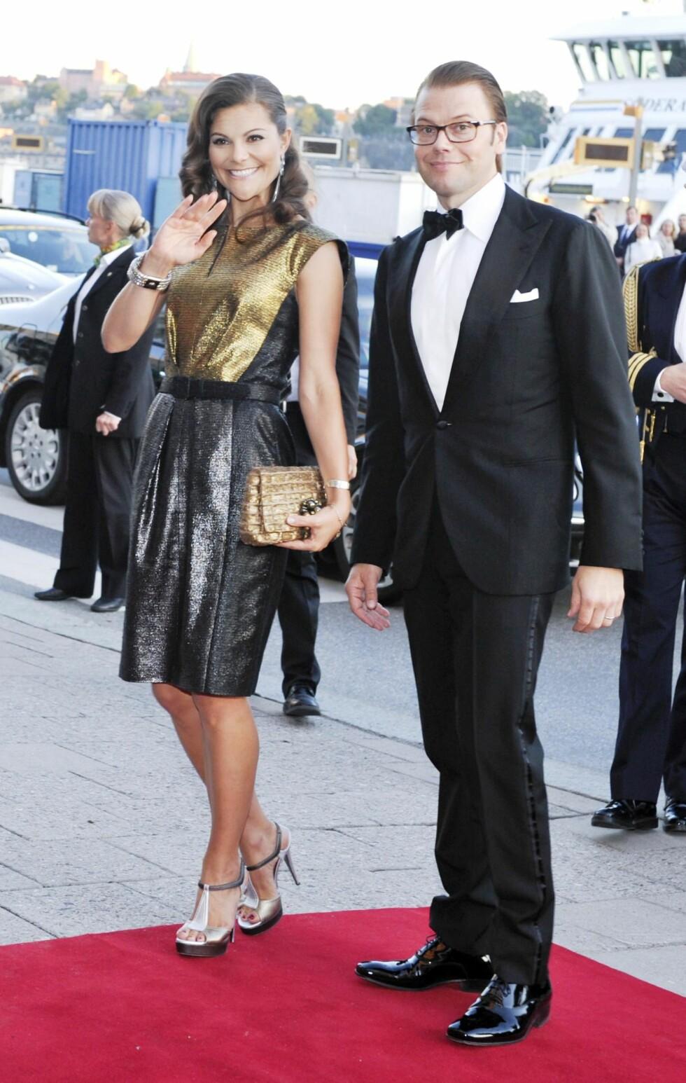 RÅLEKKER: Kronprinsesse Victoria og ektemannen prins Daniel under Polar Music Prize-banketten på Grand Hotel i Stockholm i 2010. FOTO: NTB scanpix