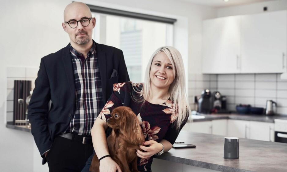 PARFORHOLD: Louise Brown (37) er leder på et frivillighetssenter, og Peter Brown (41) er salgssjef i oversetterbransjen. Sammen har de datteren Havanna (9). FOTO: Claus Boesen og Runolfur Godbjörnsson