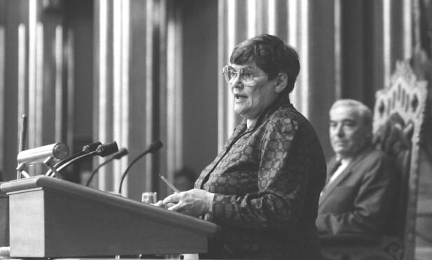 ENGASJERT: Hanna Kvanmo var én av 78 stortingsrepresentantene som til slutt fikk gjennomført loven om selvbestemt abort våren 1978. Dette bildet er tatt ved en annen anledning. FOTO: NTB scanpix