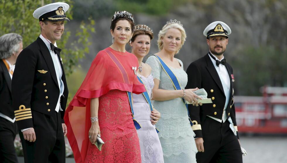 NÆRE VENNER: Kronprins Frederik og kronprinsesse Mary er nære venner av det norske kronprinsparet og prinsesse Märtha Louise. Dette bildet er tatt under bryllupet til prinsesse Madeleine og Chris O'Neill i juni 2013. FOTO: NTB Scanpix