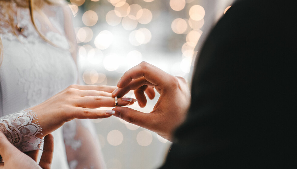 GIFTEMÅL: Utdanningsnivået har påvirkning for hvorvidt vi planlegger giftemål, ifølge Wiik. FOTO: NTB Scanpix