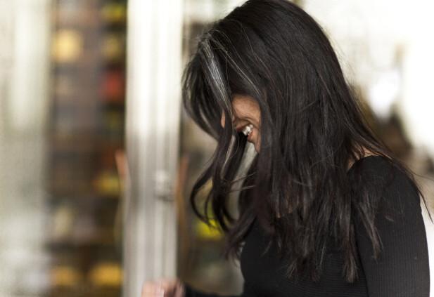 SOVER IKKE DYPT OM NATTEN Sara Omar forteller at hun sjelden sover dypt, selv ikke om natten. Hun hviler mer.  – Sånn er det for noen av oss, men man venner seg til det. Men det er en grunn for alt. FOTO: Astrid Waller