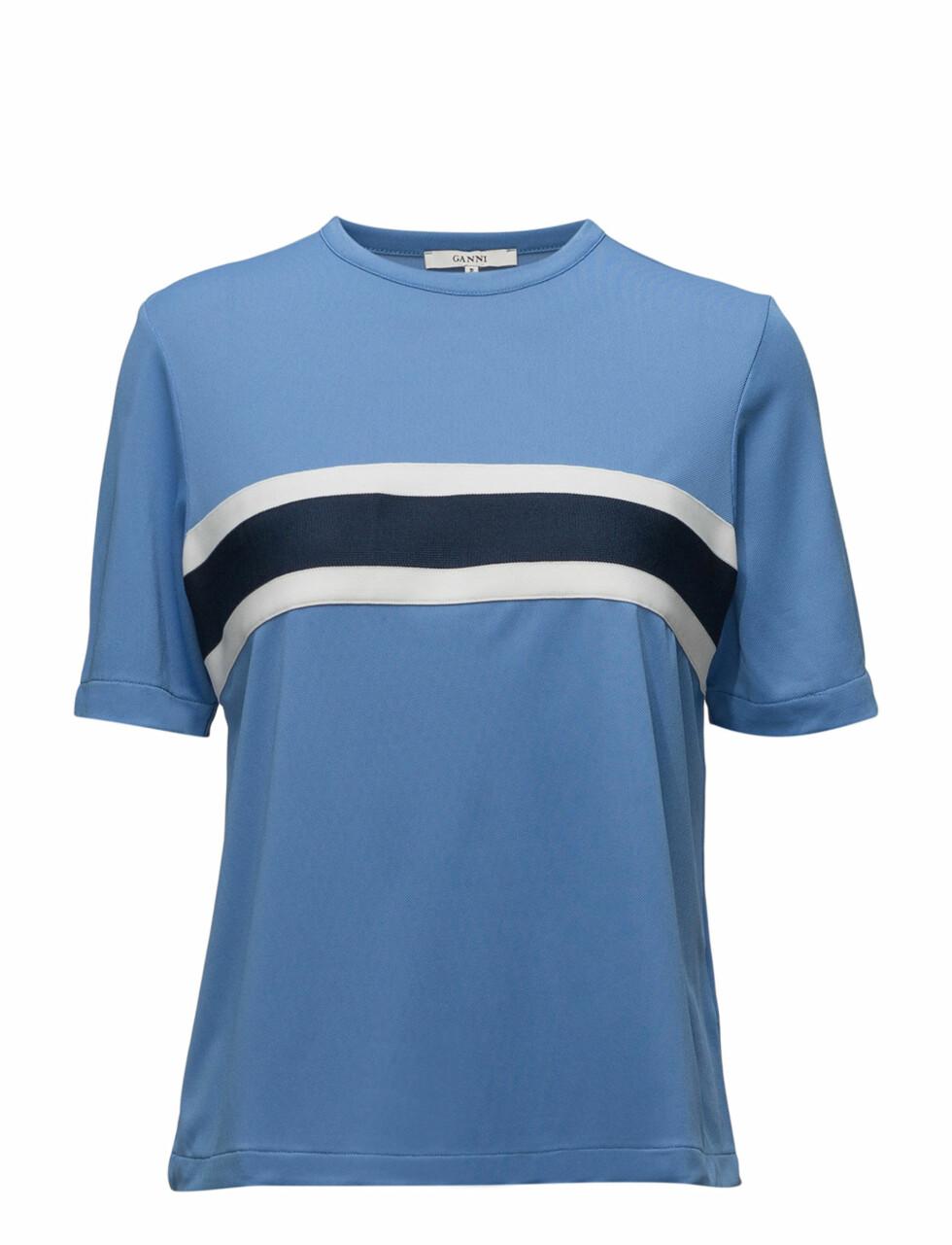 T-skjorte fra Ganni via Net-a-porter |1260,-|https://www.net-a-porter.com/no/en/product/1029844/ganni/dubois-striped-stretch-pique-t-shirt