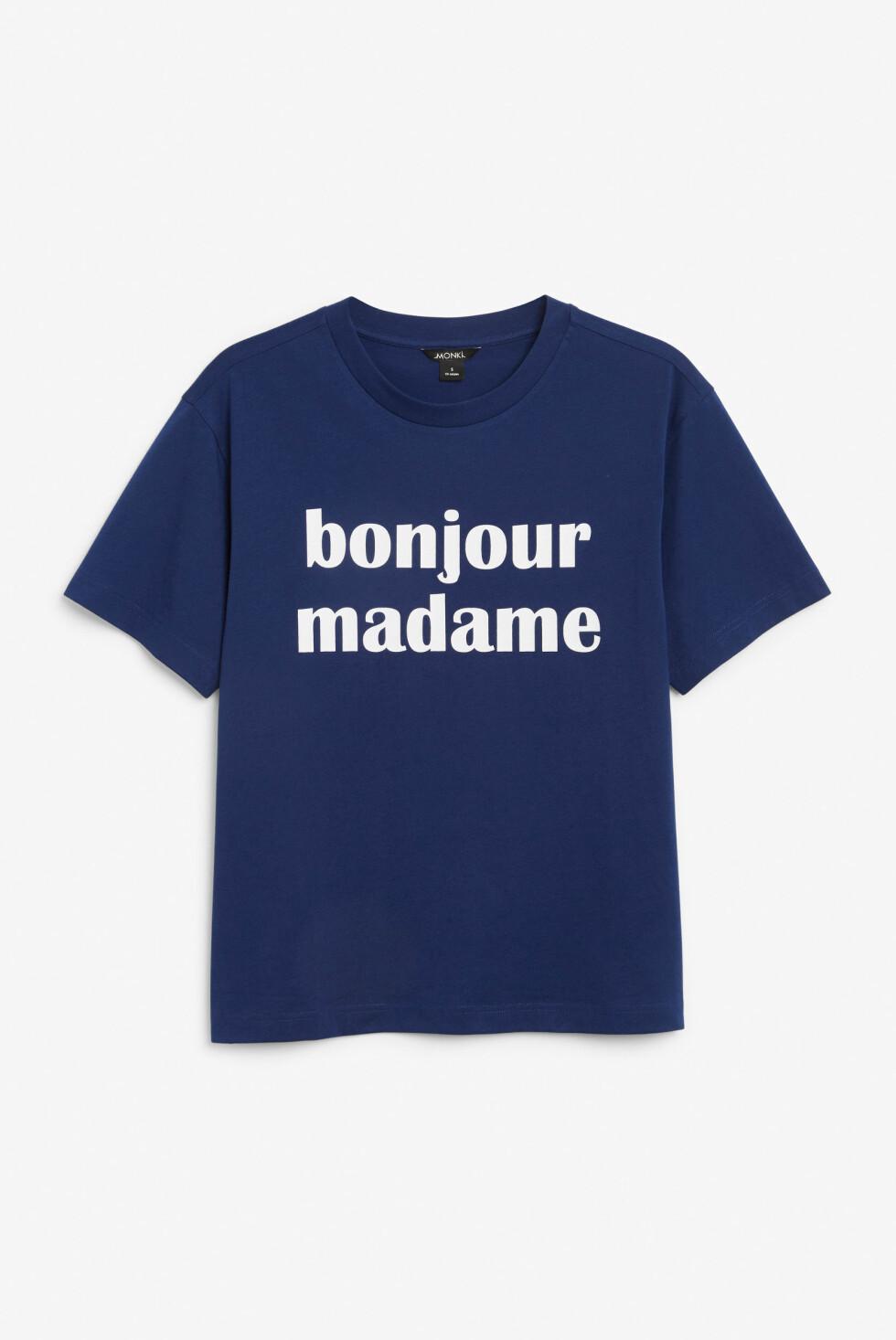 T-skjorte fra Monki |120,-|https://www.monki.com/en_sek/clothing/tops/t-shirts/_jcr_content/productlisting.display/product.oversized-tee-bonjour-madame.0562598012.html