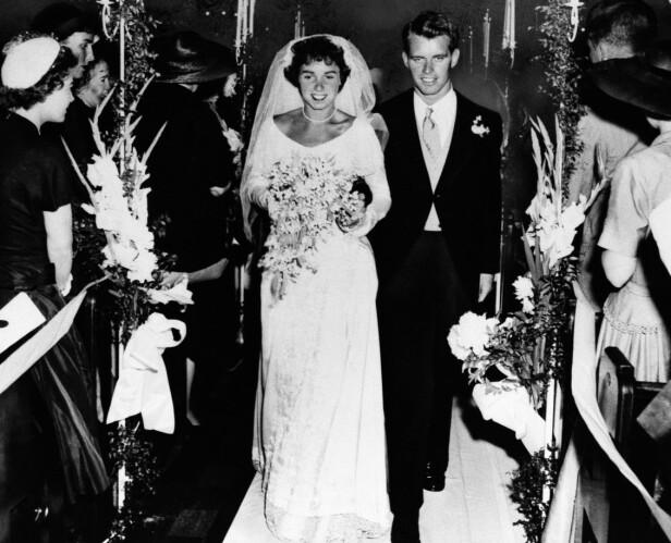 <strong>GIFT:</strong> Robert Kennedy giftet seg med Ethel Skakel 17. juni 1950 i St. Mary's Catholic Church i Greenwich, Connecticut. FOTO: NTB Scanpix