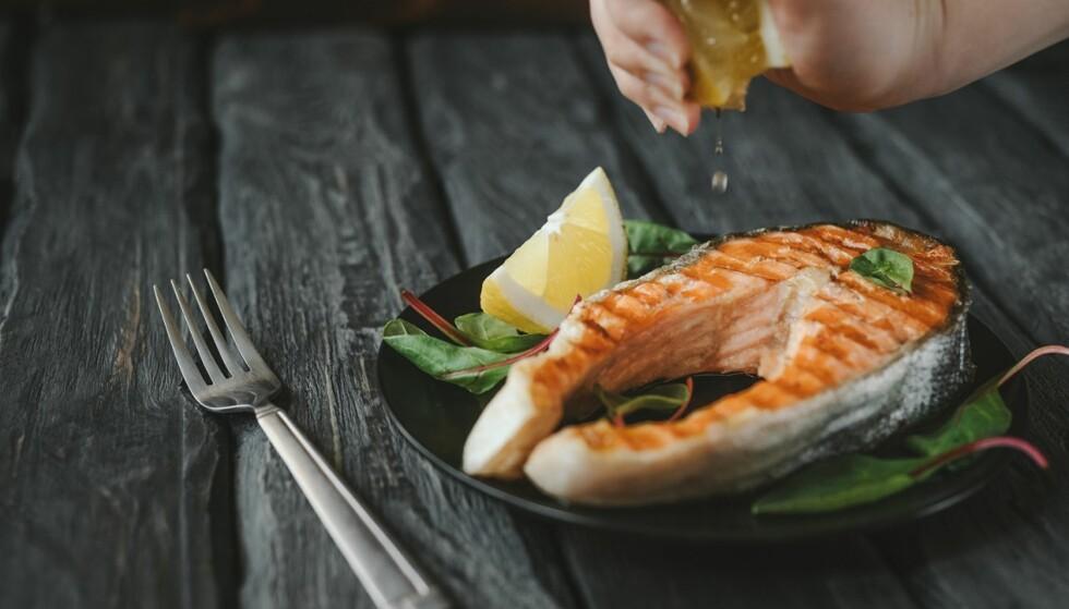 EKSTREM DIETT: Dietter som innebærer at man kutter ut store og viktige matvaregrupper kan i verste fall føre til ernæringsmangler. FOTO: NTB Scanpix