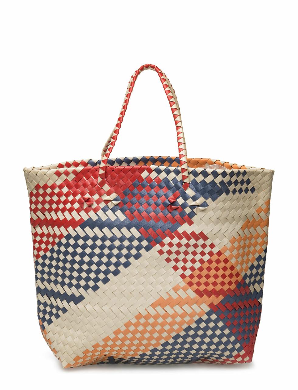 Veske fra Mango 269,-| https://www.boozt.com/no/no/mango/braided-shopper-bag_18178133/18178136?navId=67362&sNavId=67535&group=listing&position=1000000