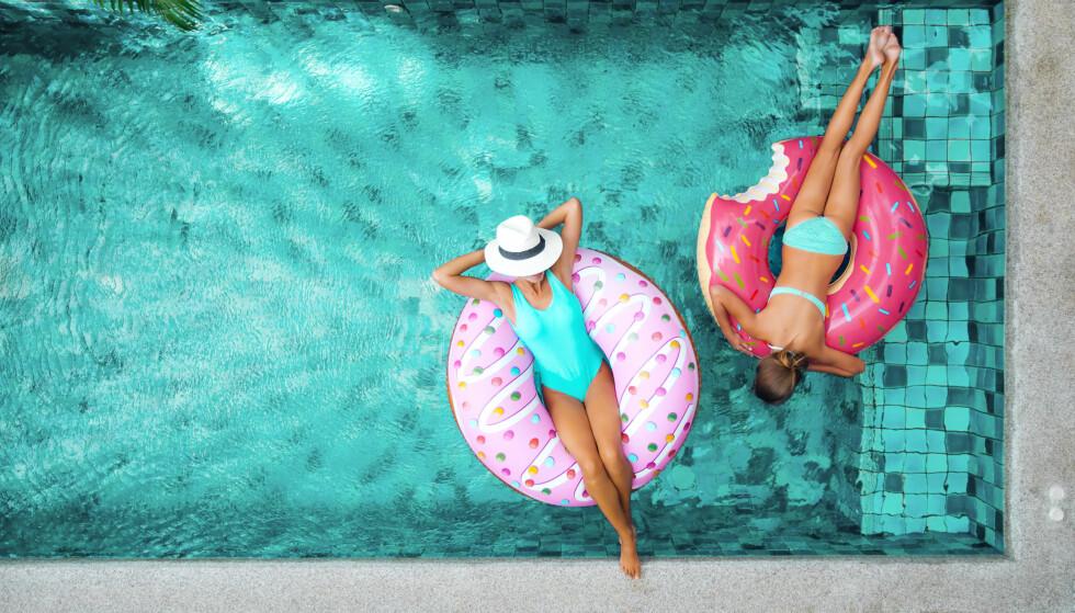 VASKE BIKINI: Vil du at badetøyet ditt skal beholde fasongen sin, er det et par ting du bør tenke på. Foto: Scanpix