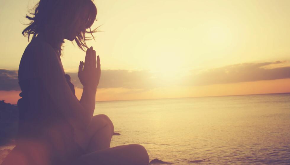 POPULÆRT: Yoga er populært i Norge og kan også være en måte å gjøre mindfulness-øvelser på. FOTO: NTB Scanpix