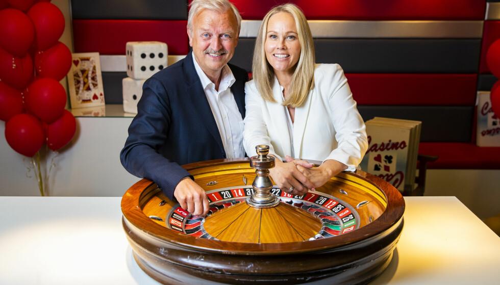 CASINO TAUSE-BIRGITTE: I anledning TVNorges 30-årsdag i år bringer kanalen tilbake suksess-konseptet Casino, og med seg på laget har de selvfølgelig Hallvard «Mr. Casino» Flatland og Birgitte Seyffarth - bedre kjent som Tause-Birgitte. FOTO: NTB Scanpix
