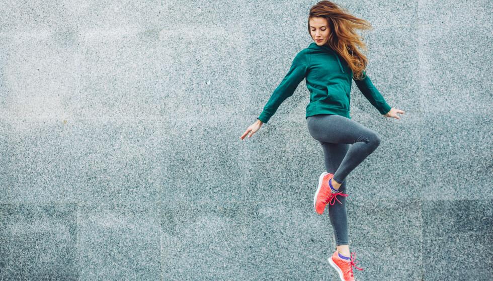 TRENING: Treningsprogrammet «The 7-minute Workout» ble første gang omtalt i American College of Sports Medicinet, men ble populært gjennom The New York Times, noe som resulterte i at avisen utviklet en treningsapp. FOTO: NTB Scanpix