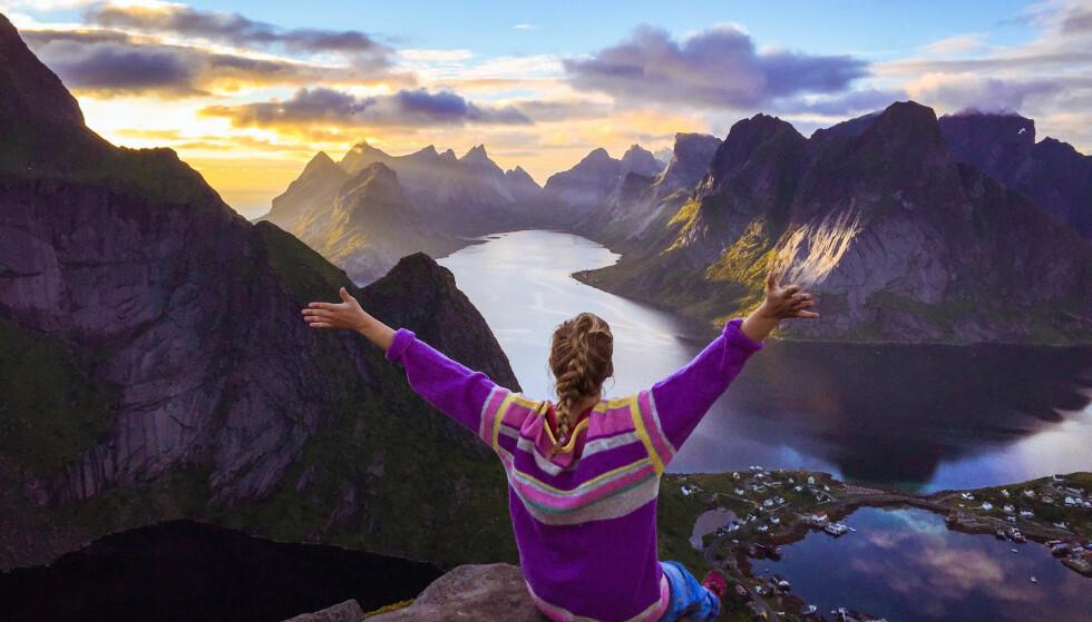 PÅ RETT HYLLE: Både Une og samboeren Harald er interesserte i fotografi, og de deler de fantastiske bildene på Instagram. FOTO: Harald Wanvik
