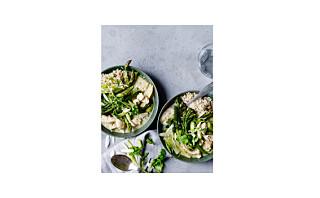 Grønn karrigryte med kylling og asparges
