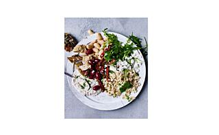 Middelhavssalat med butter bean-dipp