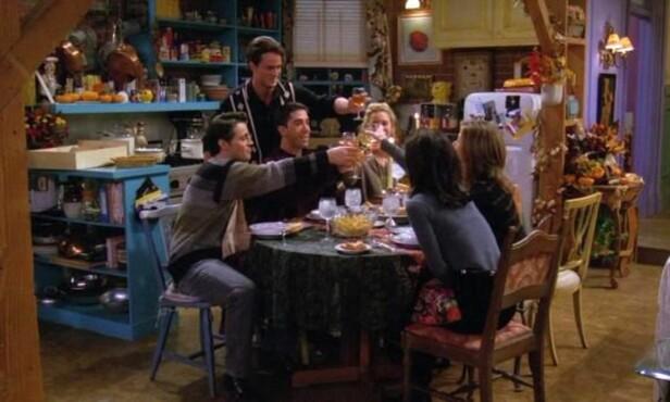 FRIENDS: Er man skikkelig «Friends»-fan kjenner man leiligheten like godt som karakterene. Man kan vel kanskje si at Monicas leilighet er den syvende hovedkarakteren i serien? FOTO: Faksimile/ Friends