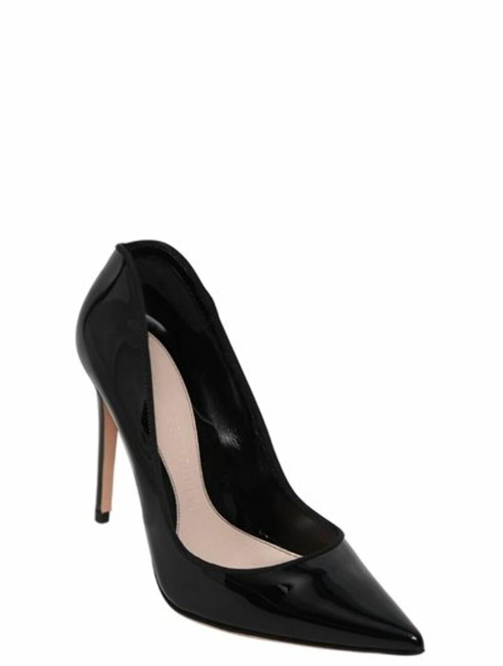 Sko fra Alexander McQueen |3849,-| https://www.luisaviaroma.com/en-no/p/alexander-mcqueen/women/pumps/66I-G14004?ColorId=MTAwMA2&SubLine=shoes&CategoryId=95&lvrid=_p_d146_gw_c95