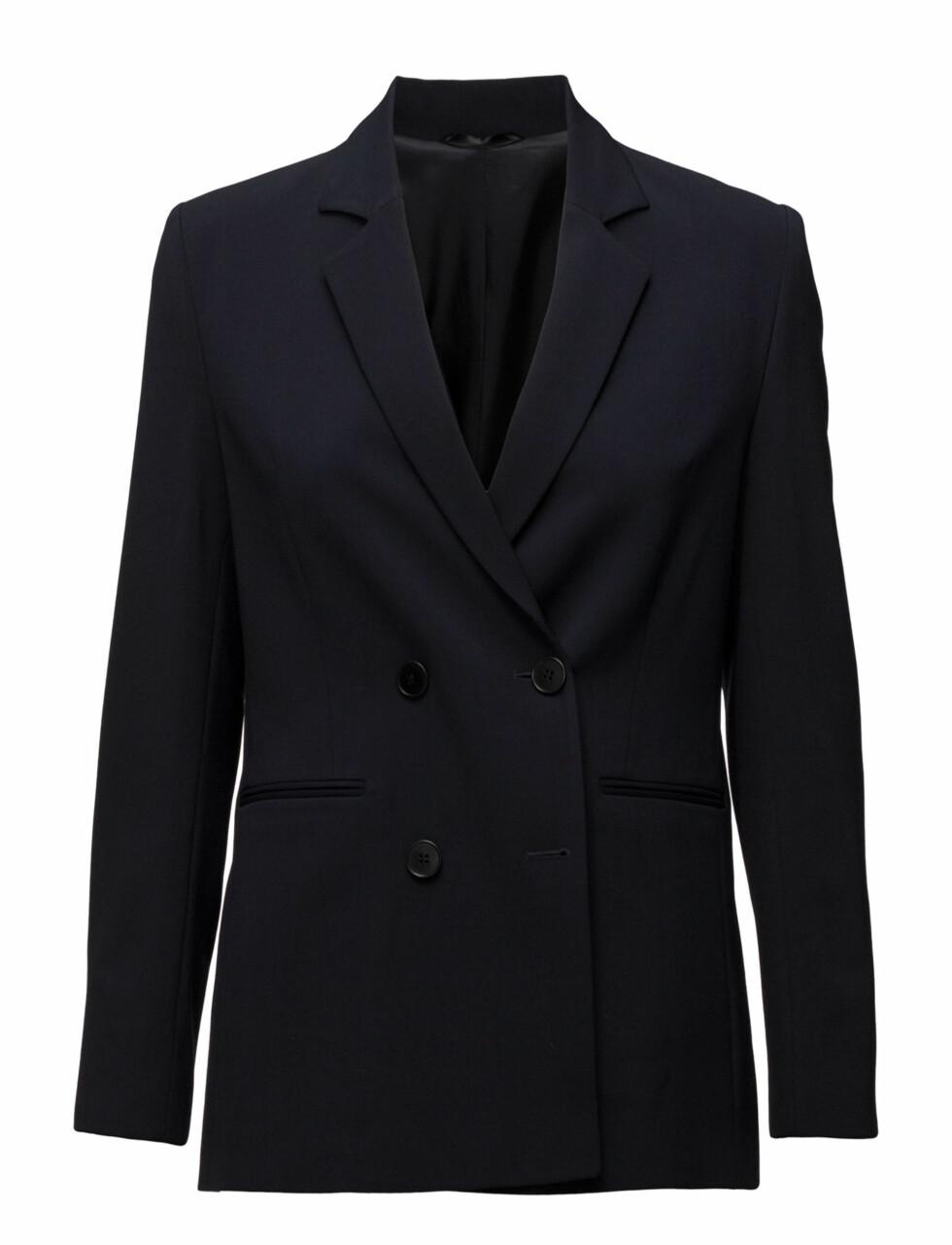 Blazer fra Filippa K |2275,-| https://www.boozt.com/no/no/filippa-k/caden-db-jacket_15682227/15682233?path=67363&navId=67363&sNavId=67450&group=listing&position=1000000