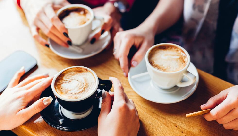 KAFFE: Studie viser en sammenheng mellom lavere fettprosent og kaffe, men det er ingen grunn til å øke kaffeinntaket for vektens skyld - i alle fall ikke før vi vet mer, understreker ekspert. FOTO: NTB