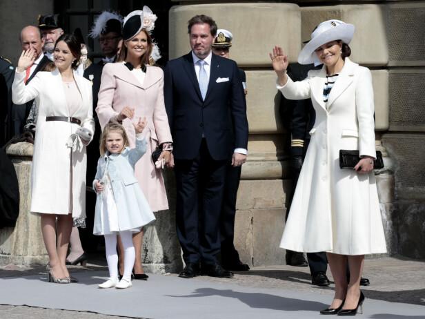 SIDE OM SIDE: Prinsesse Sofia er uten tvil tatt inn i varmen i den svenske kongefamilien, og hun har med årene utviklet et nært forhold til svigerinnene prinsesse Madeleine og kronprinsesse Victoria. Her fra 70-årsfeiringen til kong Carl Gustaf i april 2016. FOTO: NTB Scanpix