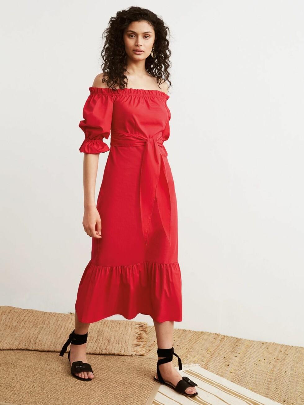 Rød kjole fra Kitri Studio |1442,-| https://kitristudio.eu/collections/fresh-in/products/cora-red-cotton-bardot-summer-dress