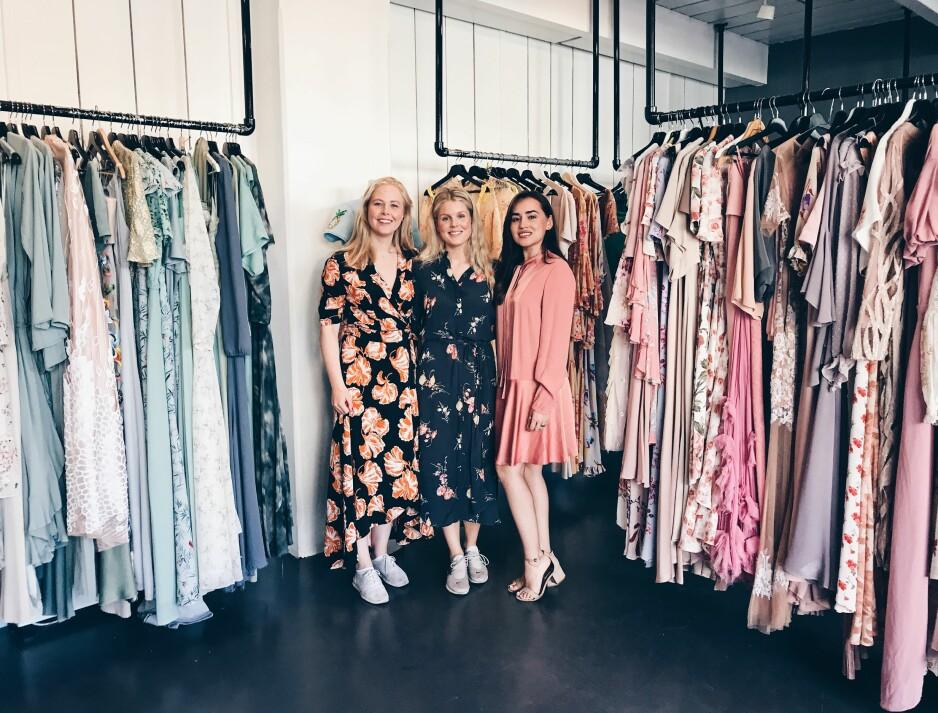FJONG: CEO Sigrun Syverud, bærekraftsjef Hanne Elisabeth Høiesen og markedsføringsjef Xochitl Vavik leier ut klær til kvinner over hele Norge gjennom selskapet Fjong. Foto: Malin Gaden
