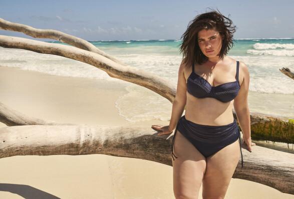Bikini med høyt liv.