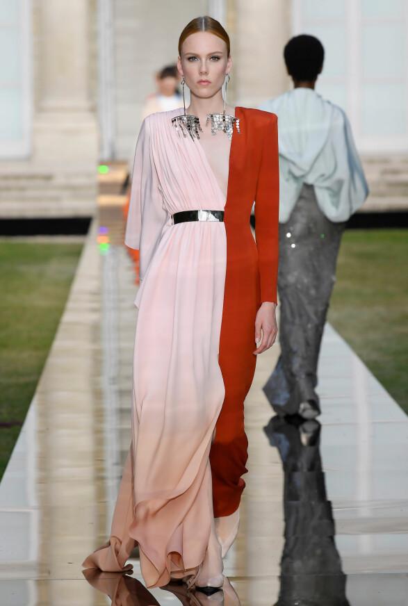 RØD LØPER-KLAR: Vi kan se for oss Cate Blanchett i denne Givenchy-kjolen til neste rød løper. Foto: Scanpix