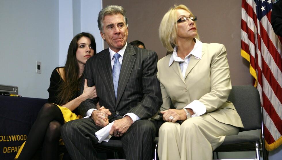 SVARET DE HADDE VENTET PÅ: John og Revé Walsh med datteren Meghan Walsh under pressekonferansen hvor det ble annonsert at politiet etter 27 år konkluderer med at det er Ottis Toole som hadde drept seks år gamle Adam. Pressekonferansen ble avholdt i Florida den 16. desember 2008. FOTO: NTB Scanpix