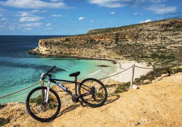 UTMERKET FOR SYKLISTER: Sicilia er en utmerket øy for både spreke syklister og de som gjerne tråkker i et roligere tempo. For info om sykkelturer, guidete turer og kurs arrangert av Sissel, se www.sicilyexplorer.com.