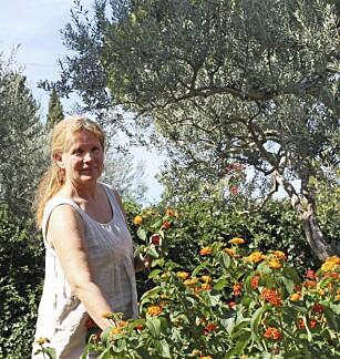 SISSEL BAKKEN: Sammen med mannen driver hun et koselig pensjonat på Sicilia.