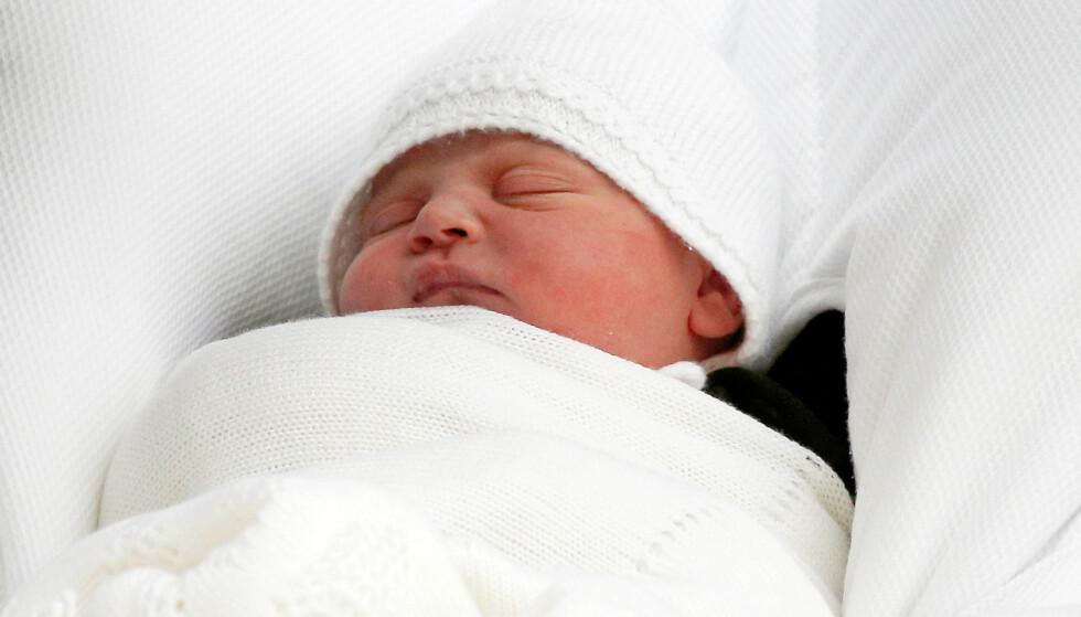 FERSK: Kort tid etter at prinsen ble født delte Kensington Palace bilder av den lille prinsen. FOTO: NTB Scanpix
