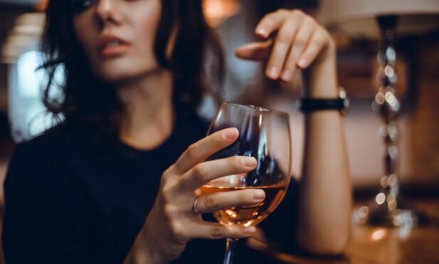 KJENDISER TJERNER GODE PENGER PÅ ALKOHOL: - Slik profilering går ofte utover de som ikke tåler det. Det skader nok ikke folk flest, men det er alltid noen som blir påvirket, sier ekspert. FOTO: NTB Scanpix