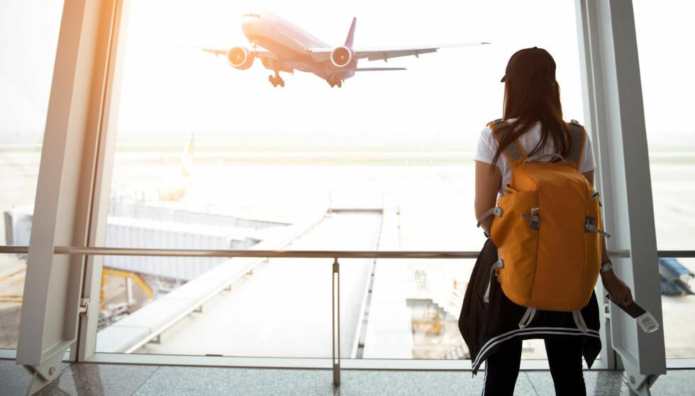 BILLIG REISE: Selv om flybilletten er billig betyr det ikke at ferien bli billig. Du gjør lurt i å tenke helhetlig når du planlegger ferien. Foto: Scanpix.