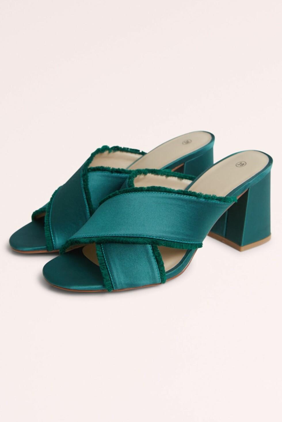 Sko fra Gina Tricot  399,-  https://www.ginatricot.com/cno/no/kolleksjon/tilbehor/sko/alva-high-heel-mules/prod801186000.html