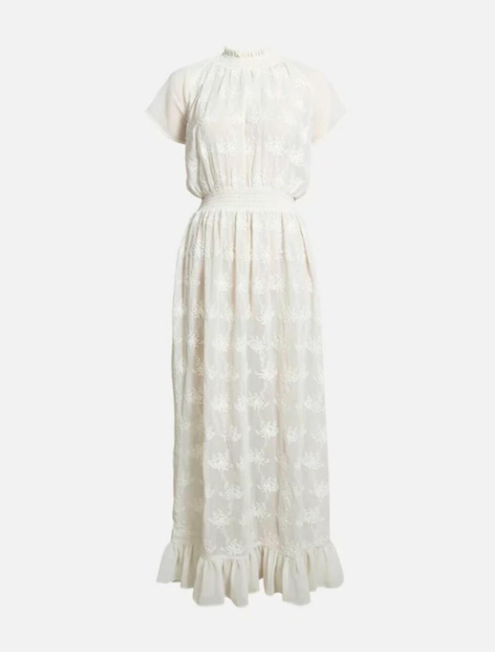 Kjole fra Bik Bok  599,-  https://bikbok.com/no/p/kjoler/juliet-kjole/7221992_F900