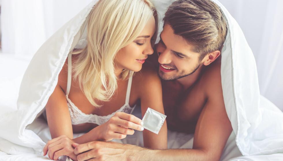 AVBRUDD: Noen kan synes det er vanskelig å være den som tar opp temaet kondom. Ifølge RFSUs rapport blir du imidlertid ofte bare sett på som ansvarsfull om du gjør det. FOTO: NTB Scanpix