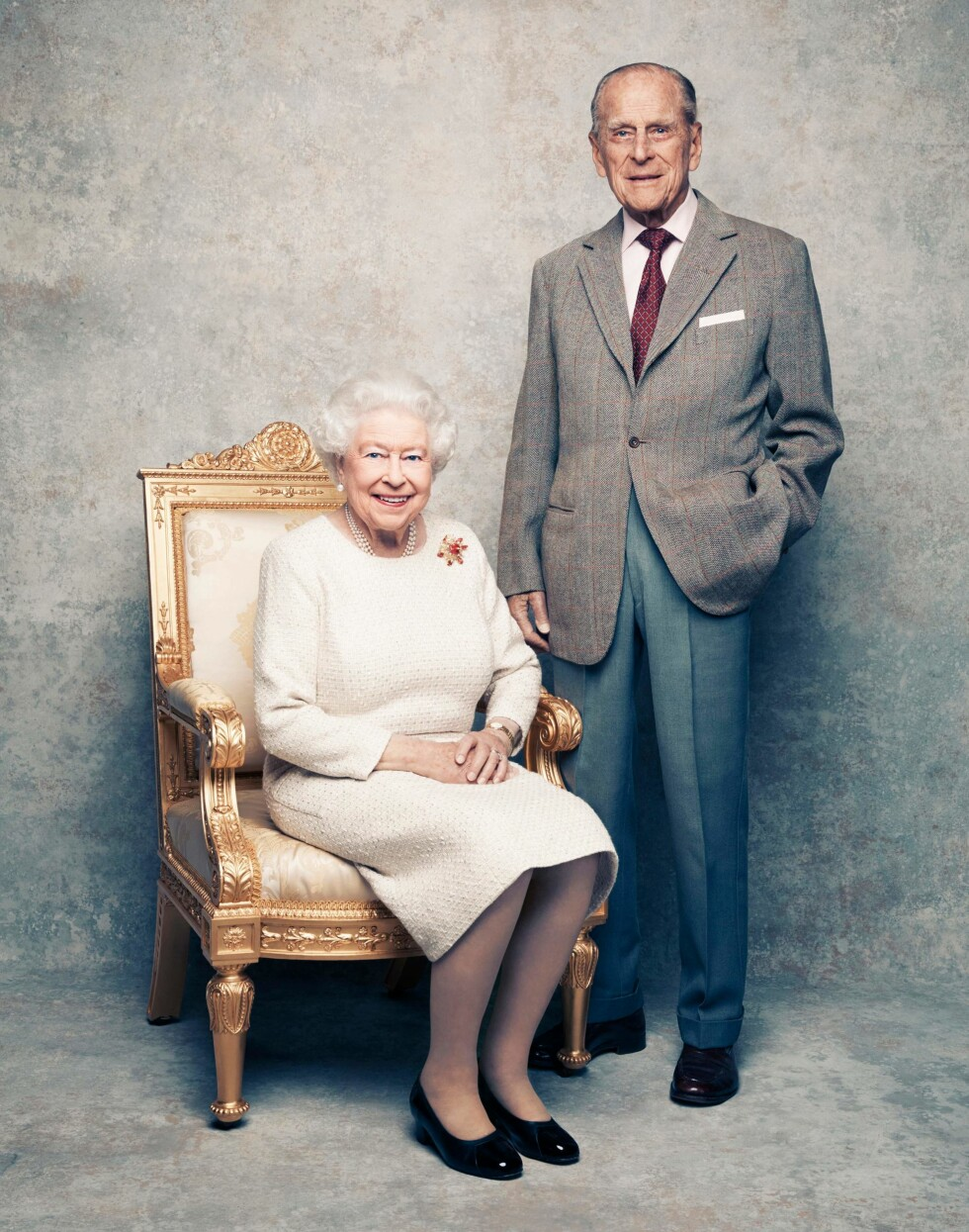 BRYLLUPSFOTO: Den britiske fotografen Matt Holyoak fotograferte dronning Elizabeth og prins Philip i anledning parets 70 års bryllupsdag i november 2017. FOTO: NTB Scanpix