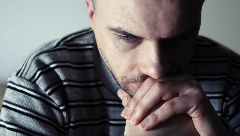 BITTER PÅ KVINNER: Enkelte menn mener det er kvinners feil at de ikke får bekreftelse fra dem. FOTO: Shutterstock