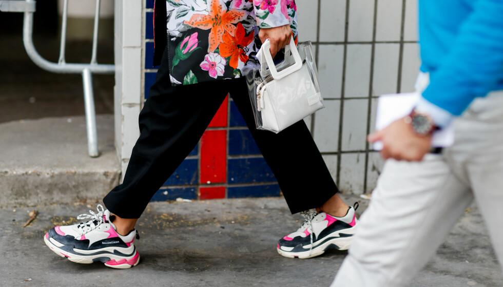 «CHUNKY» SNEAKERS ER IN: Fashionistaer verden over ser ut som en million dollar i disse! FOTO: NTB Scanpix