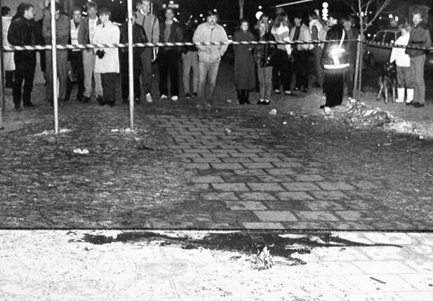 PALMEMORDET: Unge Anna var først framme for å hjelpe til da Sveriges statsminister ble drept på Sveavägen i Stockholm 28. februar i 1986. FOTO: NTB Scanpix
